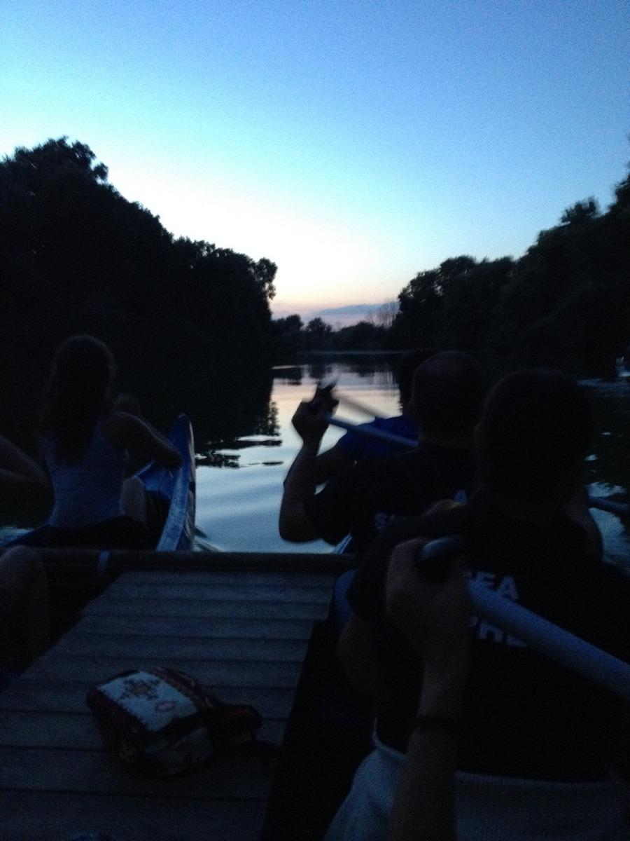IMG  canoa notte